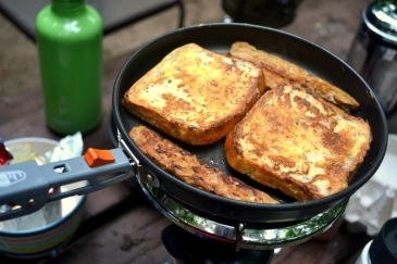 """Gluten-free french toast with tempeh """"bacon"""""""